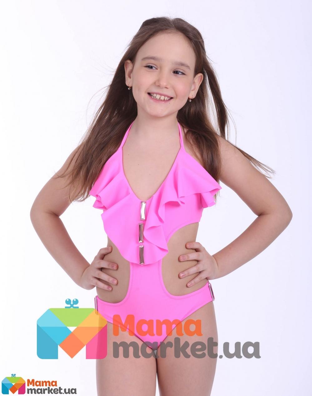 Фото девочки модели в купальниках